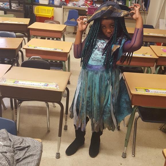 Uma Descendants 2 Halloween Costume